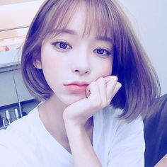 Byun Jungha, Girls Jumpers, Uzzlang Girl, Cute Korean Girl, Fair Lady, Asian Beauty, Pretty Girls, Cute Girls, Short Hair Styles