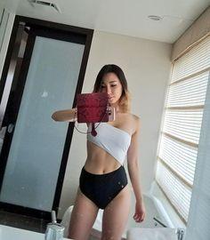Sexy Natural Latina Nude