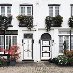 "snowflakesfairy: ""Some serious gorgeous-ness for your dream house  inspiration.  Nothing beats London Mews """