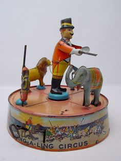 Vintage Marx Ring-A-Ling Circus Tin Toy Windup Vintage Circus, Vintage Tins, Vintage Dolls, Vintage Antiques, Metal Toys, Tin Toys, Toys In The Attic, Antique Toys, Toy Boxes