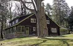 The Log House. The Stickley Museum at Craftsman Farms, Morris Plains, NJ American Craftsman, Craftsman Style, Craftsman Homes, Cedar Homes, Log Homes, Morris Plains, Great Works Of Art, Arts And Crafts House, Country Estate