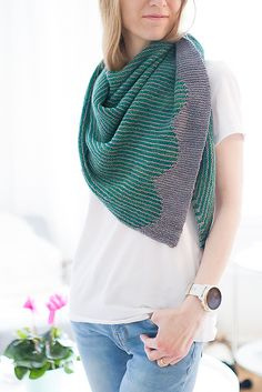 Ravelry: Short Row Scallops pattern by Suvi Simola