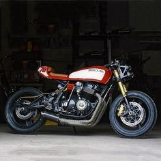 A beauty from the Great White North. Honda CB750 cafe racer. #Bike #CafeRacer #Beauty