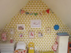 sewpony: Sylvanian Family furniture painted