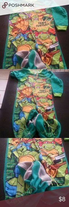 Teenage Mutant Ninja Turtles Onesie PJ (5T) Onesie footed pajama ninja turtles excellent condition size 5T boys. Nickelodeon Pajamas