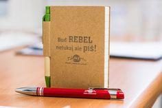 Buď Rebel neťukaj ale píš! Laser poznámkového bloku
