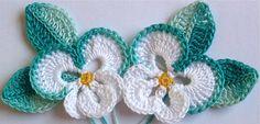 Diy Crochet Flowers, Yarn Flowers, Crochet Daisy, Knitted Flowers, Crochet Flower Patterns, Crochet Art, Irish Crochet, Crochet Crafts, Crochet Projects