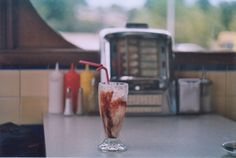 There's a diner like this one a bit :) The 50's diners are sooo cute :)
