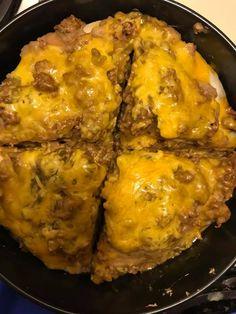 Instant Pot Taco Pie - Instant pot recipes to try - Taco Pie Recipes, Hamburger Meat Recipes, Mexican Food Recipes, Crockpot Recipes, Cooking Recipes, Cooking Courses, Mexican Meals, Mexican Dishes, Easy Recipes