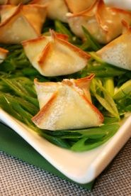 Baked Crab Won Tons Recipe : Heres a quick and easy appetizer recipe that is sure to impress your guests. These baked crab won tons are a healthy alternative to fried crab cakes. Quick And Easy Appetizers, Easy Appetizer Recipes, Healthy Appetizers, Wonton Recipes, Seafood Recipes, Cooking Recipes, Heart Healthy Recipes, Diabetic Recipes, Good Food
