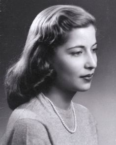Post with 300955 views. Supreme Court Justice Ruth Bader Ginsburg in 1953 - Happy Birthday to Notorious RBG Justice Ruth Bader Ginsburg, Ruth Bader Ginsburg Young, Daniel Patrick Moynihan, Diane Sawyer, Mary Shelley, Hindi Movies, David Hume, West Virginia, Films Récents