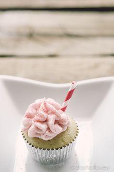 Pink Lemonade Cupcake - dashoflovely.com