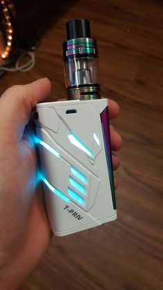 White and Rainbow Smok T-priv looks amazing matched with its 7 Color Smok Big Baby Beast. Our most popular color as well and we can all see why. Smoke Tricks, Vape Tricks, Vape Pictures, Smoke Pictures, Juul Vape, Smok Vape, How Big Is Baby, Big Baby, Vape Accessories