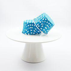 Muffinförmchen in Blau-Weiß gepunktet