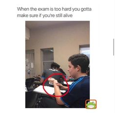 Memes, Jokes, Funny Pictures To Make Your Day. Hilarious Pictures Which Will Tickle Your Funny Bone. Funny Relatable Memes, Funny Posts, Funny Quotes, Hilarious Memes, Exams Memes, Memes Humor, Exams Funny, Funny College Memes, Stupid Funny