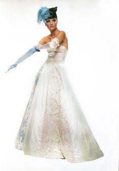 Valentino, 1995 Model : Helena Christensen