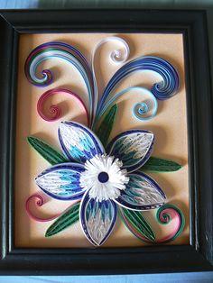 Fleur bleue et blanche inspiré du blog si dessous