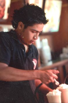 Alejandro, adding the cream, for special javaccinos
