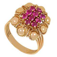 Terméktípus: gyűrű Anyag: arany Kő: rubin Nem: női Állapot: hibátlan  Gyönyörű aranygyűrű 18 krt rubinkövek, 5,2 gr. Gyűrűméret 51 a megjelenített ár fix