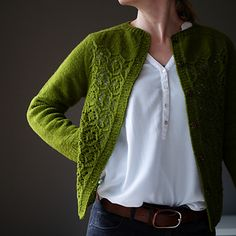 Crochet afghans 605523112381322180 - Ravelry: Myrtha pattern by Katrin Schneider Source by pailletfranoise Knitting Designs, Knitting Patterns, Afghan Patterns, Knit Fashion, Mode Inspiration, Fashion Inspiration, Outerwear Women, Cardigans For Women, Pulls