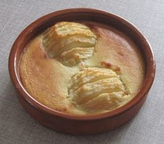 Poire amandine (IG bas) Passionate about cooking, I am interested in the principle of low glycemic index (GI) and my recipes and my advice are developed on this basis. Best Dessert Recipes, Diabetic Recipes, Diet Recipes, Breakfast Dessert, Breakfast For Kids, Dessert Ig Bas, Glykämischen Index, Diet Desserts, Diy Food