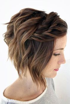 Short Hairstyles to Wear at the Christmas Party ★ See more: http://lovehairstyles.com/short-hairstyles-christmas-party/