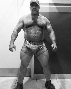 #Muskeln #Bart #behaart #Kerl #Sexy #Daddy