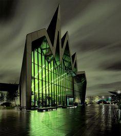 Riverside Museum, Glasgow by Zaha Hadid : evilbuildings Zaha Hadid Architecture, Architecture Unique, Industrial Architecture, Futuristic Architecture, Architecture Plan, Unusual Buildings, Amazing Buildings, Modern Buildings, Architectes Zaha Hadid
