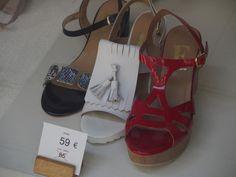 Moda en zapatos en blanco y rojo Pamplona, Sandals, Shoes, Fashion, Zapatos, Moda, Shoes Sandals, Shoes Outlet, Fashion Styles