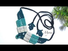 Another macrame necklace mixed with women's shirys - macrame tutorial with Myow. Collar Macrame, Macrame Colar, Macrame Earrings, Macrame Jewelry, Macrame Bracelets, Wire Jewelry, Jewelry Bracelets, Tree Necklace, Tribal Necklace