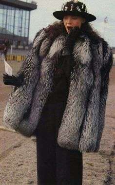 fur fashion directory is a online fur fashion magazine with links and resources related to furs and fashion. furfashionguide is the largest fur fashion directory online, with links to fur fashion shop stores, fur coat market and fur jacket sale. Fur Fashion, Fashion Photo, Fabulous Fox, Fur Cape, Fox Fur Coat, Vintage Fur, Leather Gloves, Fur Jacket, Style Guides