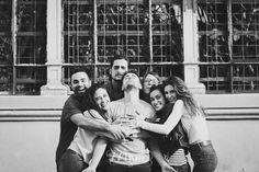 Sesión de fotos de retrato de un grupo de amigos en el parque de la ciudadela de Barcelona (23)
