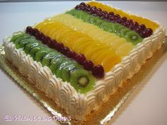 Sweet Recipes, Cake Recipes, Fresh Fruit Cake, Jello Desserts, Square Cakes, Specialty Cakes, Drip Cakes, Cake Creations, Hot Dog Buns