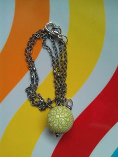 Vintage Lucite Green Flower Beaded Necklace ($18)