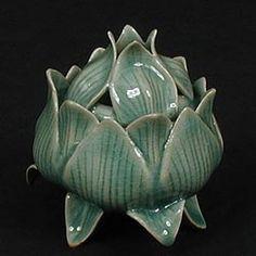 Celadon incense burner.  Korean.arts.com IB012 $189