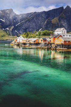 Reine, Norway | Marc Schmittbuhl http://calgary.isgreen.ca/living/life-style/climate-change-and-its-effect-on-the-great-white-north/