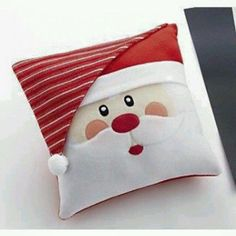 Christmas Pillow, Felt Christmas, Christmas Ornaments, Christmas Cushions To Make, Father Christmas, Christmas Sewing Projects, Holiday Crafts, Holiday Pics, Holiday Decor