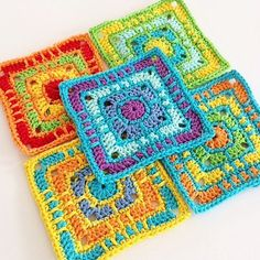 This image does not link to a pattern. I'm just saving it because I LOVE the color choice and the pattern! Crochet Square Blanket, Crochet Squares Afghan, Crochet Square Patterns, Crochet Blocks, Crochet Granny, Crochet Blanket Patterns, Crochet Motif, Diy Crochet, Crochet Stitches