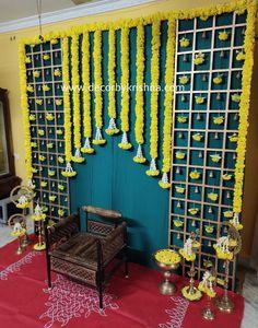 Housewarming Decorations, Home Wedding Decorations, Stage Decorations, Flower Decorations, Flower Garland Wedding, Flower Garlands, Half Saree Function, Cradle Ceremony