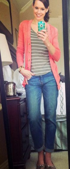 A week's worth of casual outfits - boyfriend cardigan, boyfriend jeans, stripes and snake print flats. Boyfriend Cardigan Outfit, Cardigan Outfits, Boyfriend Jeans, Coral Cardigan, Mom Outfits, Spring Outfits, Cute Outfits, Fashion Outfits, Casual Outfits