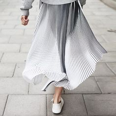 Style and Create — I know that you are many with me who loves this skirt from Filippa K| Photo of the Swedish modelTilda Linderholm