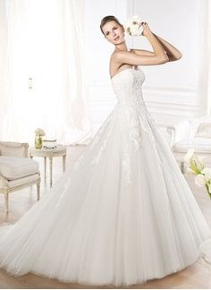 Ball-Gown Strapless Sweetheart Chapel Train Tulle Wedding Dress With Lace