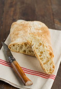- Homemade Ciabatta Bread {recipe in Spanish} Pan Bread, Bread Baking, Homemade Ciabatta Bread, Mexican Sweet Breads, Our Daily Bread, Best Sandwich, How To Make Bread, Pain, Bread Recipes