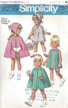 VENDITA 25% di sconto semplicità 9239 Girls Toddler Sundress sciarpa Cape Sz 2 di DecadesofCharm su Etsy https://www.etsy.com/it/listing/212927436/vendita-25-di-sconto-semplicita-9239
