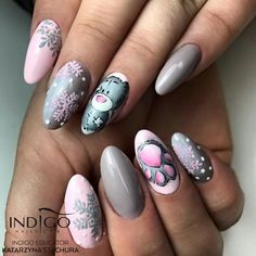 latest nail art designs galleryfrench tip nail designs for short nails self adhesive nail stickers nail art sticker stencils essie nail stickers Xmas Nails, Holiday Nails, Christmas Nails, Hot Nails, Hair And Nails, Nail Polish Designs, Nail Art Designs, Nail Art Noel, Nail Swag