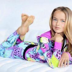 New inside - Kristina Pimenova 2016 Little Girl Models, Child Models, Beautiful Little Girls, Cute Little Girls, Preteen Girls Fashion, Teen Fashion, Mädchen In Leggings, Kristina Pímenova, Girl Soles