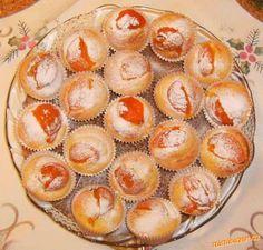 Muffiny s meruňkami Czech Recipes, 20 Min, Cupcakes, Breakfast, Cookies, Czech Food, Fine Dining, Psychology, Morning Coffee