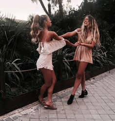 Pinterest: ☾beatrizrings☽ • amigas