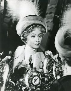 DANIELLE DARRIEUX OCCUPE-TOI D'AMELIE 1949