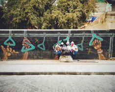 Holdon . . . . . . . . #graphics #graffiti #art #streetart #bus #handles #bangalore #toyshop #softtoys #streetlife #street #streetphotography